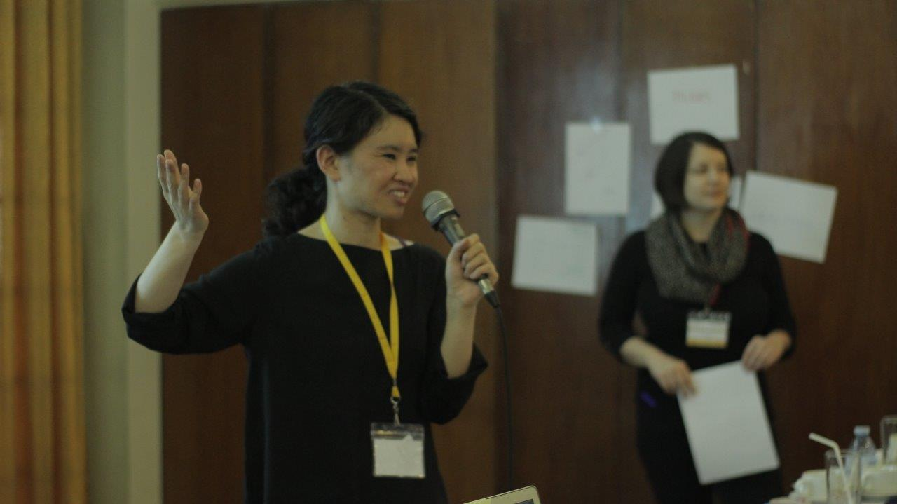 Marie Lascu (MIAP '12) and Yvonne Ng (MIAP '08) co-led a Personal Digital Archiving workshop for SEAPAVAA 2017.