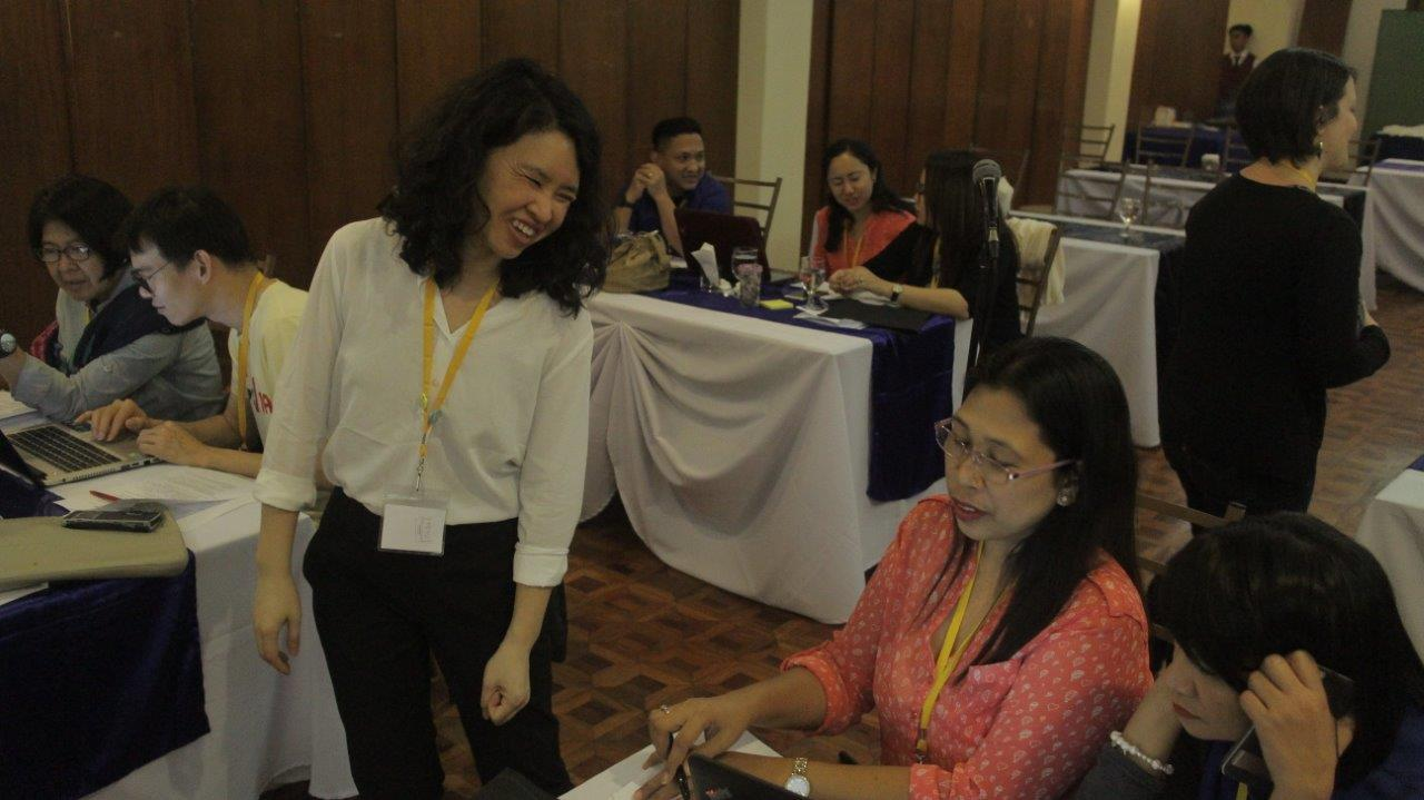 Yvonne Ng (MIAP '08) with Personal Digital Archiving workshop participants for SEAPAVAA 2017 in Manila.
