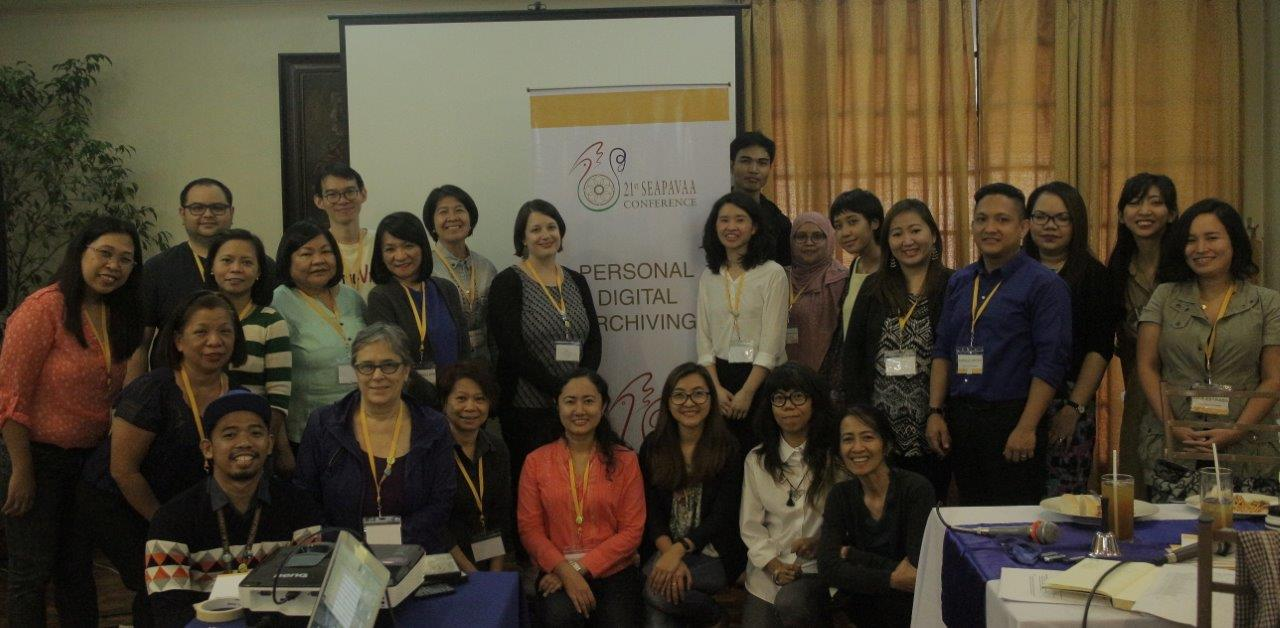 Marie Lascu (MIAP '12) and Yvonne Ng (MIAP '08) led a Personal Digital Archiving workshop for SEAPAVAA 2017.