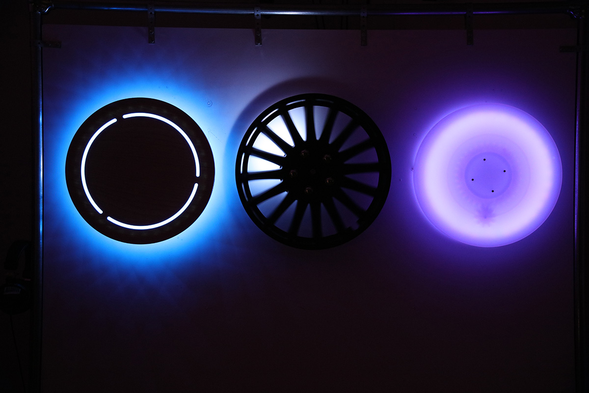 3 illuminated wheels