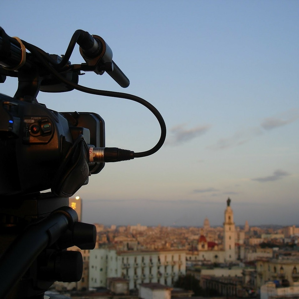 Camera pointing over a city skyline